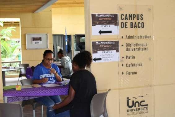 Jour d'inscription au campus de Baco pour les étudiants