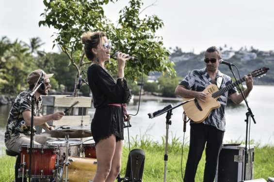 Ipanema se produit sur le deck du parc urbain