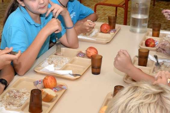 Nouméa : le premier repas servi à la rentréefait grincer des dents