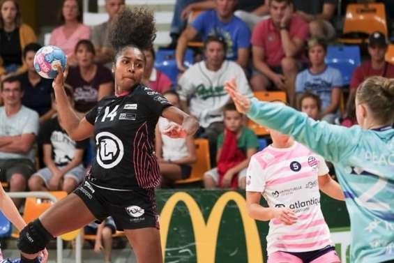 Handball : Suzanne Wajoka signe son premier contrat pro