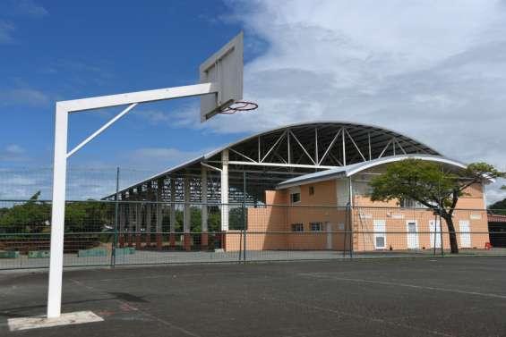 ÀNouméa, collèges et lycées vont devoir payer les structures sportives