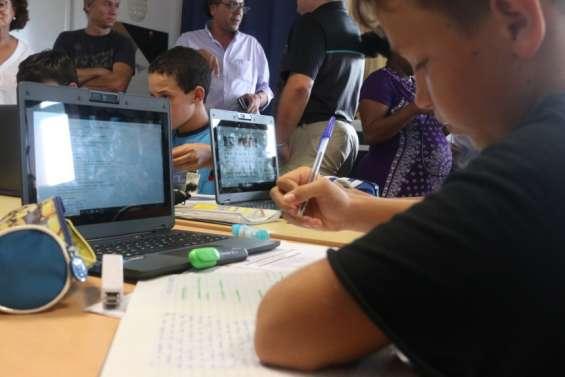 Cinq classes de 5e se dotent d'ordinateurs portables pour apprendre différemment