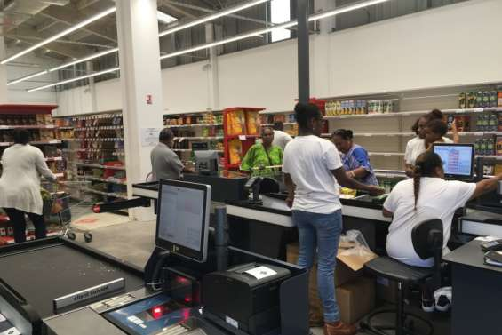 Un supermarché Leader Price a ouvert au centre du village