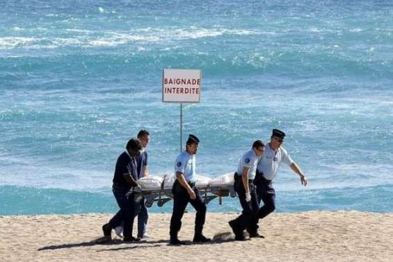 Malgré les requins, le surfest de retour à La Réunion