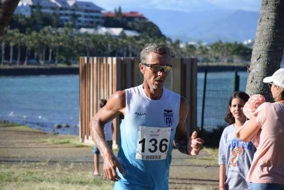 Triathlon : Patrick Vernay et Charlotte Robin gagnent pour la rentrée