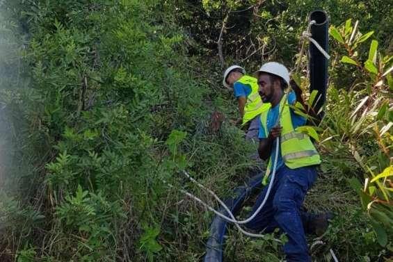 Païta : l'eau courante rétablie, le gouvernement va procéder au déblaiement de la RT1