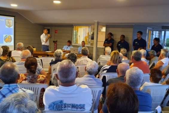 Cent personnes à la réunion publique sur la sécurité à Port-Ouenghi