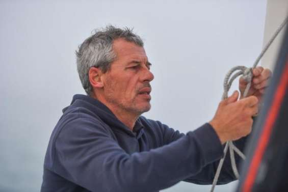 Avec Sébastien Destremau, le Vendée Globe est en route vers le Caillou
