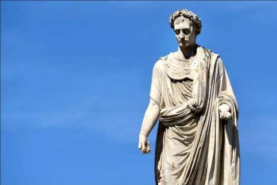 À Ajaccio, le bicentenaire de la mort de Napoléon célébré à toutes les sauces