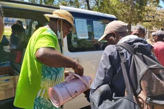 Macadam fermé, des maraudes s'organisent à Nouméa