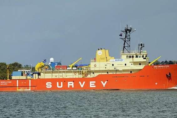 Un navire océanographique au large de Lifou