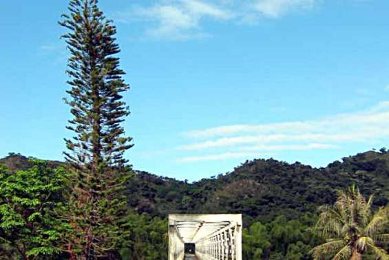 Des barrages filtrants à l'entrée de trois tribus de Ponérihouen