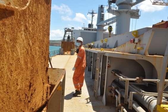 À Doniambo, la vie des marins est