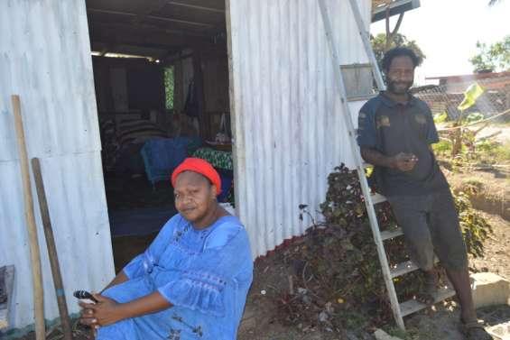 Dumbéa : sans eau courante, le difficile confinement du squat du Caillou bleu