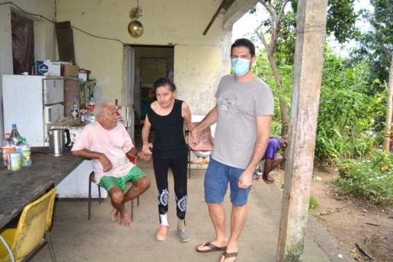 Martin Mas, infirmier libéral, continue sa tournée de soins à domicile
