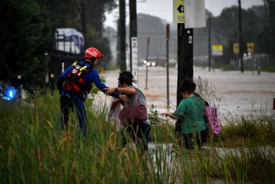 Côte Est: évacuationsaprès des crues et des pluiesrecord