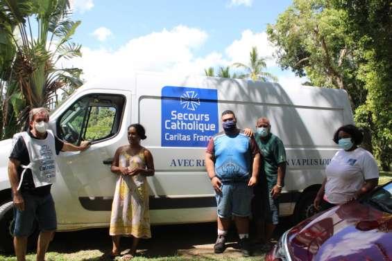 Le Secours catholique vient en aide aux tribus de Poya