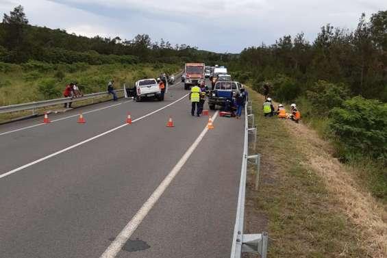 Un accident bloque la RT1 au niveau du pont de la Ouenghi