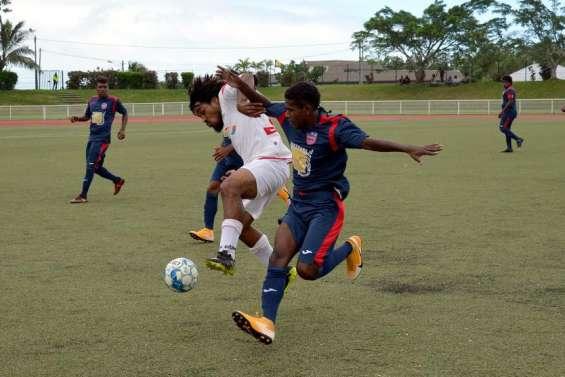 Football: Tiga et Hienghènes'imposent, pas Magenta