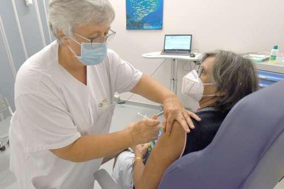 «Les gens se désintéressent du vaccin alors que c'est maintenant qu'il faut en profiter»