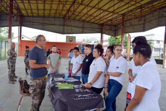 Les jeunes Bouraillais découvrent les métiers de l'armée