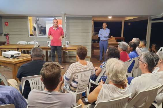 Le skipper Sébastien Destremau raconte ses aventures à Port Ouenghi