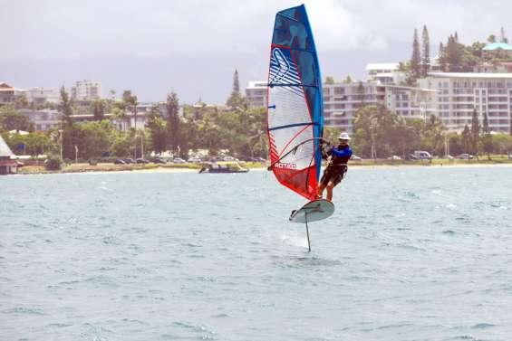 Sports: l'ASPTT Nouméa Glisse annule ses compétitions, en raison du risque requin