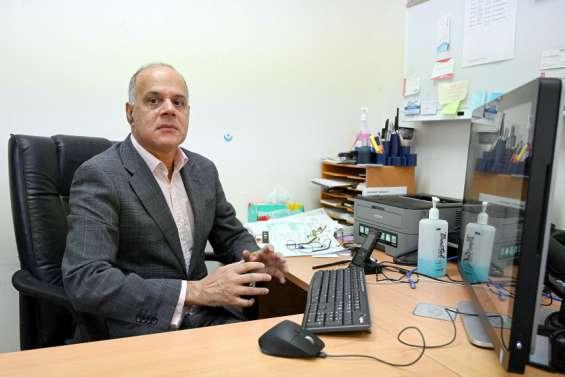 Australie : un cardiologue aideses proches frappés par la Covid en Inde