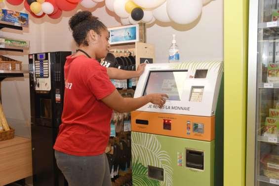 EEC installe une borne de paiement à la station Total