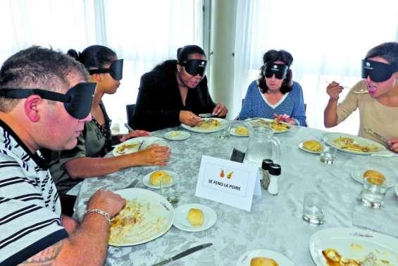 Réserver un dîner à l'aveugle, c'est possible