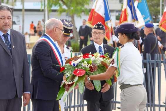 Ambiance cérémonielle pour l'armistice du 8 mai à Boulari