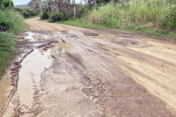Dégradé par les pluies, l'accès à la baie Toro et la baie Mââ se complique