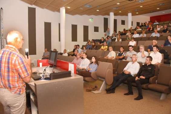 Une conférence pour éclairer les esprits sur l'électromobilité