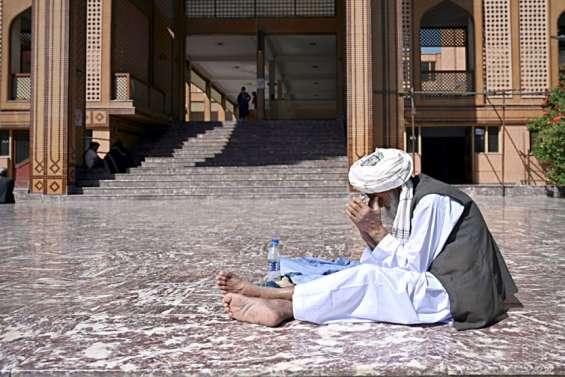 Afghanistan: explosion mortelle dans une mosquée, le cessez-le feu vole en éclats
