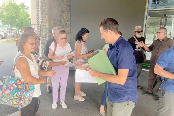 Les discussions s'ouvrententre mairie et riverains de la Butte de Koutio et Érudits