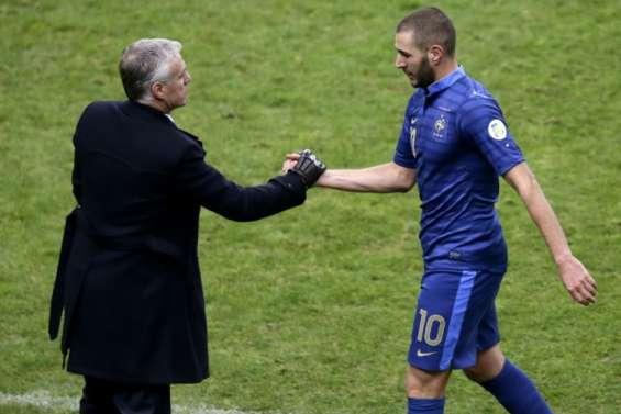 Euro: Deschamps rappelle Benzema en sélection, une première depuis 2015