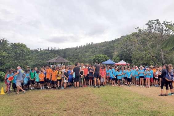 Près de 450 élèves sportifs réunis au parc des Grandes fougères