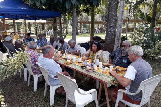 L'igname et le vivre ensemble célébrés autour d'un repas
