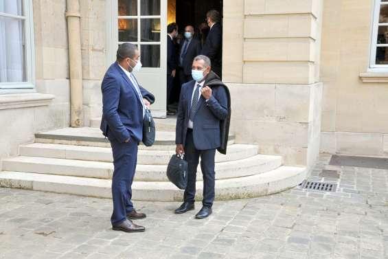 L'UC présente son indépendance à Paris