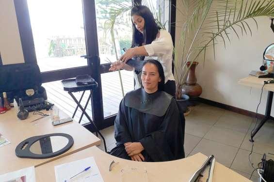 Séances de coiffure pour les mères de la commune