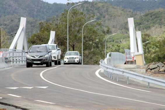 Le nouveau pont de la Dumbéa officiellement ouvert à la circulation