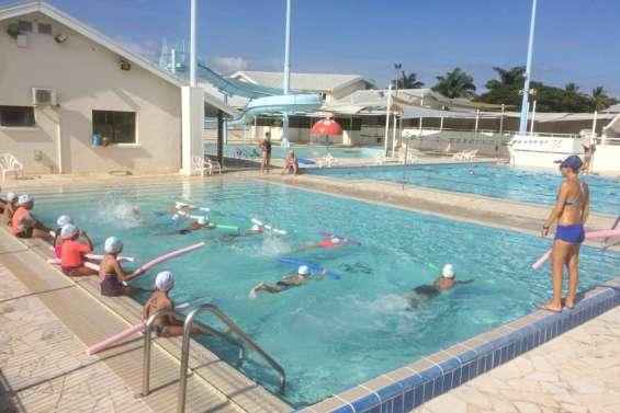 Apprendre à nager durant les vacances