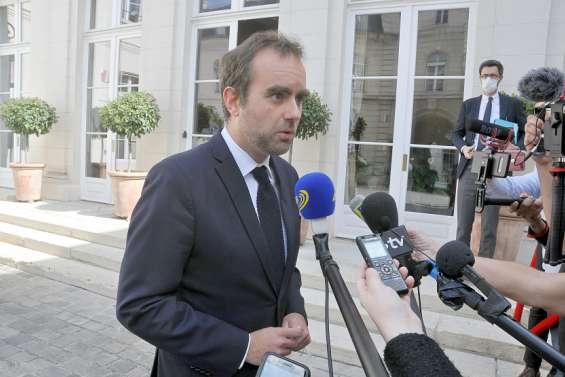 Dixmilliards de francs débloqués pour la Calédonie