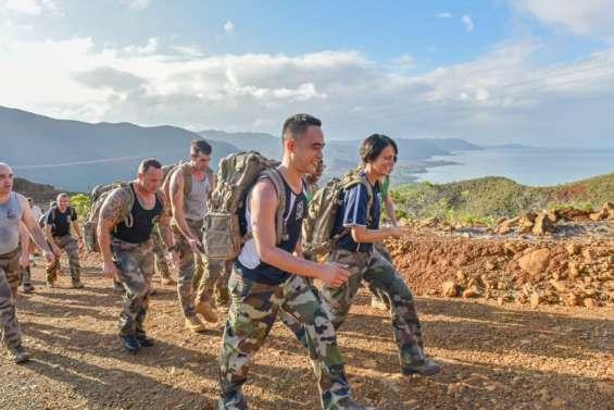 Les militaires calédoniens marchent pour leurs camarades blessés