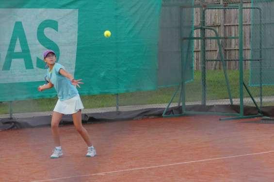Manon Ducasse et Nils Lambot vainqueurs en troisième série à l'Open de Koné
