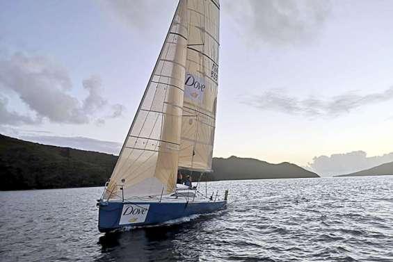 Un équipage 100% féminin vogue vers l'île des Pins