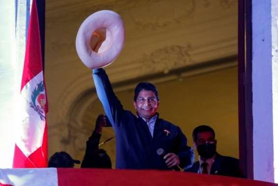 Présidentielle au Pérou: le président en exercice appelle au calme