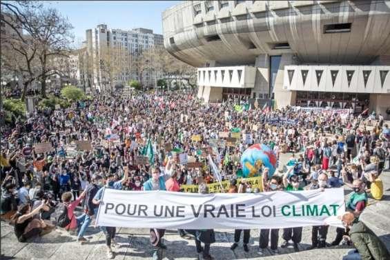 Projet de loi climat: au tour du Sénat de se mettre au vert
