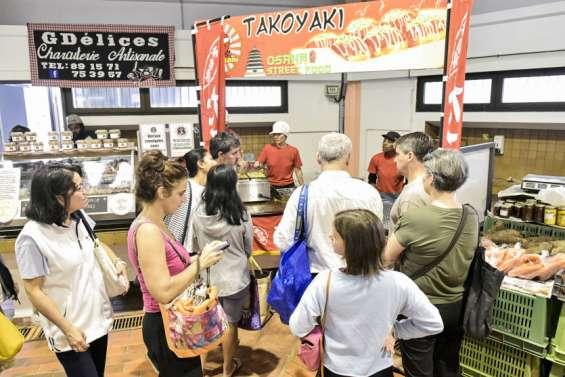 Les takoyaki deTakosan s'arrachent au marché Moselle