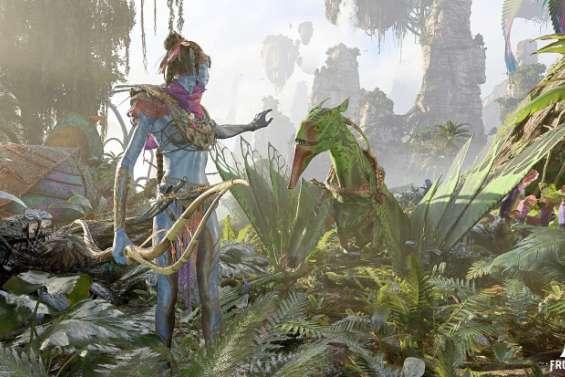 Le grand salon des jeux vidéoa ouvert avec les images d'un nouveau jeu Avatar